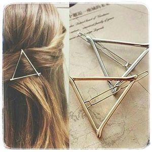 Triangle Hair Clip ⭐️